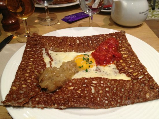Galette Café: Onion, egg, cheese and tomato galette