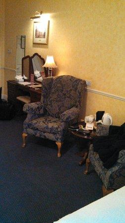 Harrington Hall: Lovely Sitting Chair
