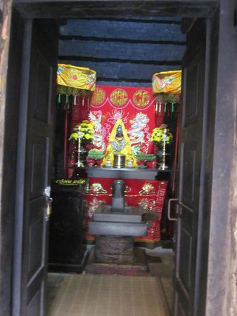 Po Nagar Cham Towers: Здесь молятся