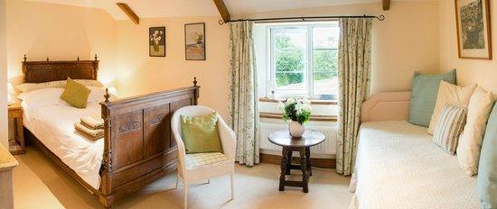 Sandwell Farmhouse Retreat & B&B: Room 2 Country Charm