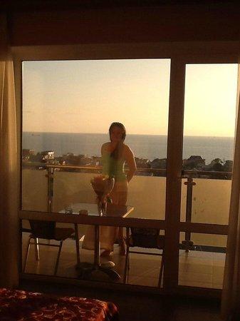 Amalia Hotel: Воо ...как раз закат)