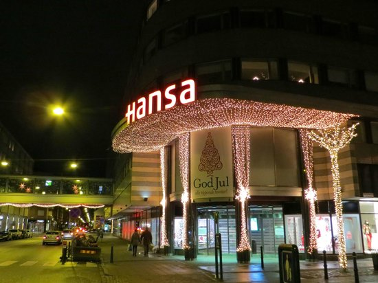 Scandic S:t Jorgen: Hansa Mall across the street