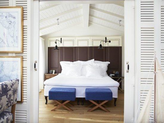 Hotel Cort: Sample Plaça Suite bedroom