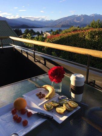 Aspiring Lofts : Tea time at the balcony