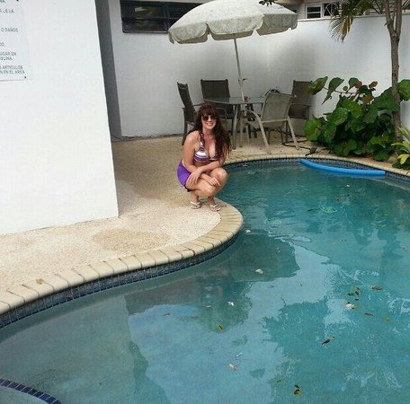 Tres Palmas Inn: Piscina