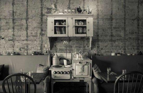 Photo of American Restaurant Farmhouse Tavern at 1627 Dupont St, Toronto, ON M6P 3S8, Canada