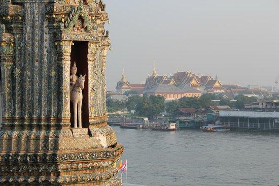 Wat Arun (Tempel der Morgenröte): Vista do alto da escadaria do templo