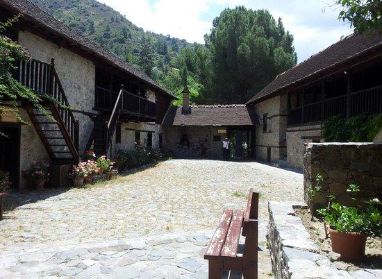 Ioannis Lampadistis (John Lampadistis Monastery): The monastery