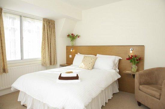 The White Hart B&B: The White Hart - bedroom