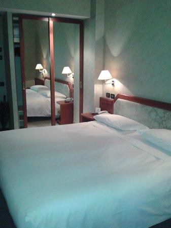 Rizzi Aquacharme Hotel & Spa: Camera matrimoniale