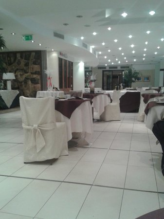 Rizzi Aquacharme Hotel & Spa: Stanza per la colazione