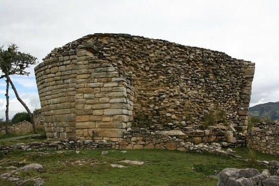 """Tingo, Peru: Le mystérieux """"El Tintero"""""""