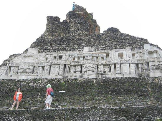 Belize Jungle Dome: Xunantunich