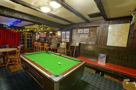 The Glenelg Inn: Billiard