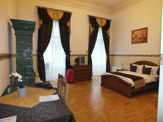 Budapest Best Apartments : наш просторный номер!