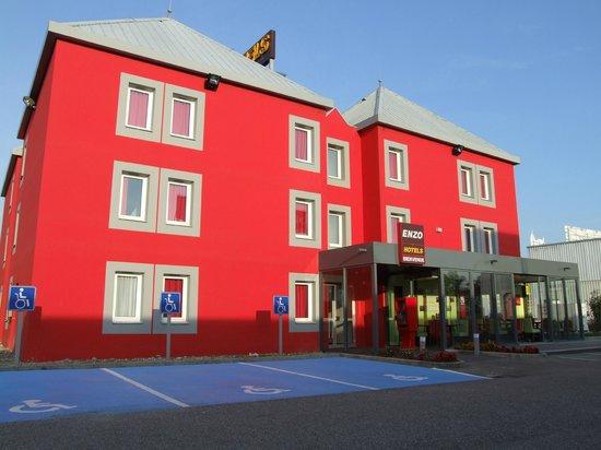 Enzo Hotels Mulhouse: ENTREE DE L'HOTEL ENZO MORSCHWILLER