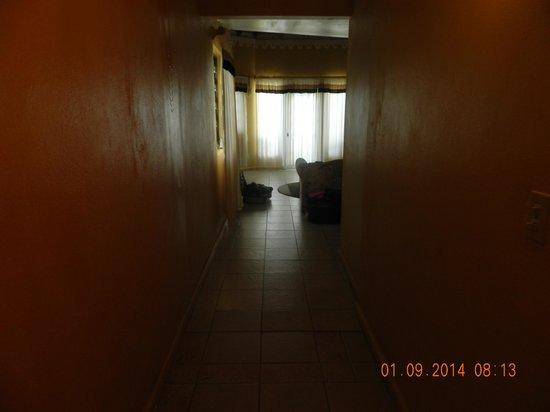 Ole Works Inn : Entry in Room