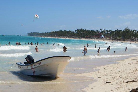 Caribe Club Princess Beach Resort & Spa: beach in frnt of resort