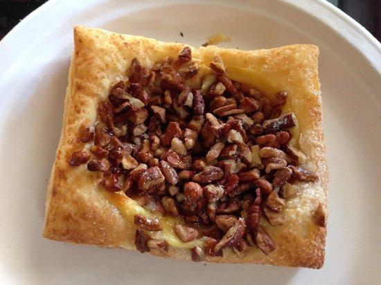 Ossorio Bakery & Cafe: Pecan Tart