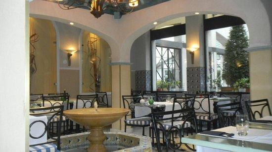 Pullman Madrid Airport & Feria: Ресторан