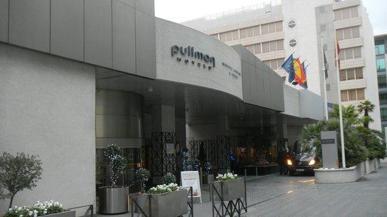 Pullman Madrid Airport & Feria : Фасад отеля