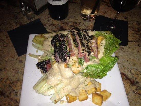 Casey's NSB Bar and Upper Deck Restaurant : Grilled Caesar w Tuna