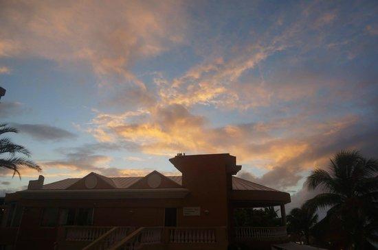 Divi Aruba Phoenix Beach Resort: Lovely Aruba Sunset