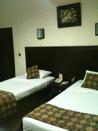 Puri Dalem Hotel: Twin room