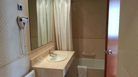 HLG CityPark Pelayo Hotel: Baño