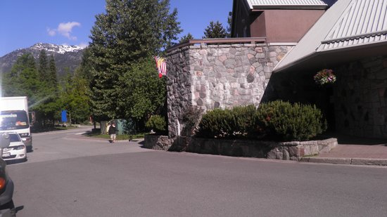 The Listel Hotel Whistler: cidade linda