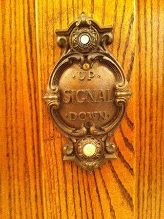 Silversmith Hotel Chicago Downtown: Botão original do elevador