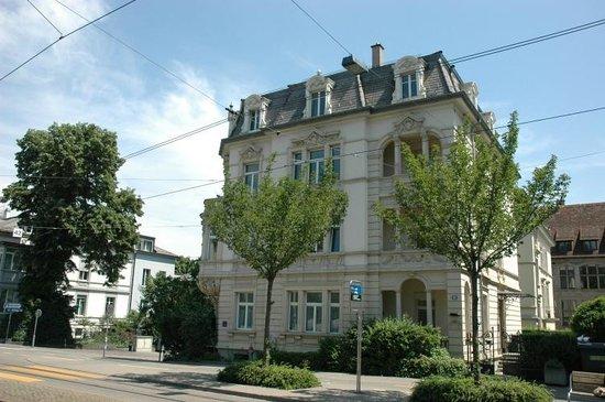 Photo of Seestrasse Apartments Zürich