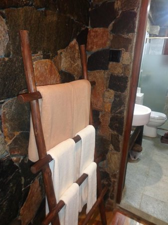 98 Acres Resort and Spa: Bathroom...