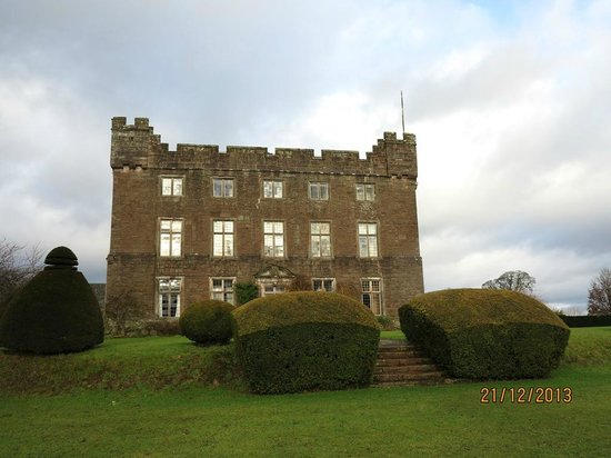Side view of Askham Hall