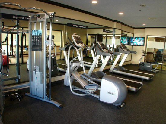 Country Inn & Suites By Carlson: Hotel Fitness Center