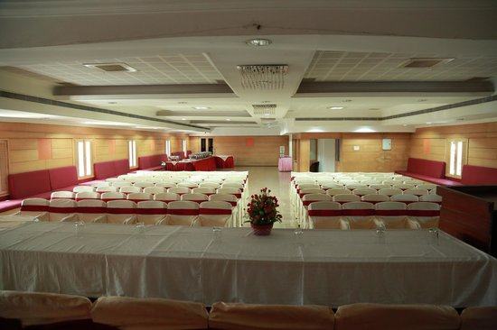 Hotel Gee Bee Palace: Main Banquet / Conference Hall