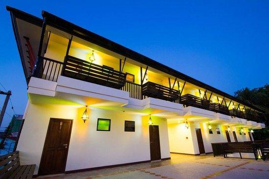 Baan Ratchiangsaen: Second floors