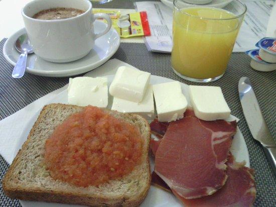 Lanjaron, Spagna: Maravilloso desayuno