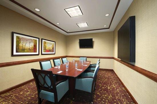 Perfect Hilton Garden Inn Houston/The Woodlands: Magnolia Boardroom