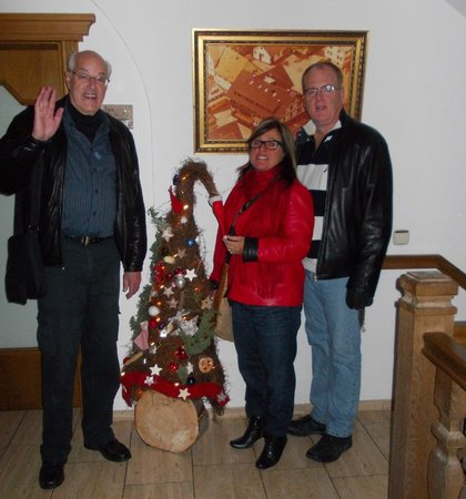 AKZENT Landgasthof Der Hirsch: Lester, Jacqueline & Steve Rafuse with tree outside our door at hotel