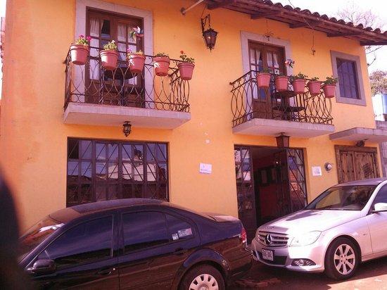 Hotel Posada La Escondida : Esta es la fachada del hotel.