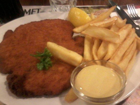 Roadhouse Grill: Cotoletta e patatine fritte