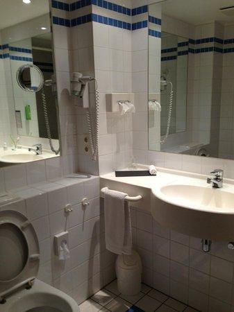Welcome Hotel Lippstadt: Bathroom