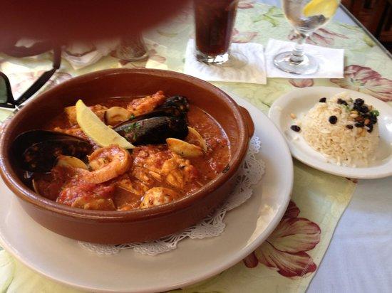 Amalia Cafe: Paella Valenciana