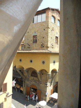 Pitti Palace al Ponte Vecchio : vista su ponte vecchio