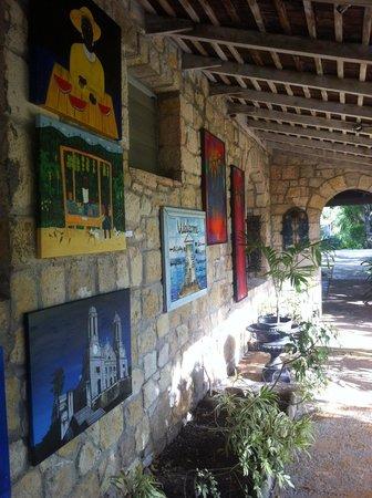 Harmony Hall Antigua: il portico della galleria