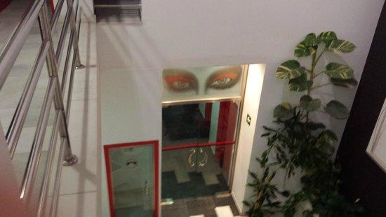 Hotel Del Pintor: Los ojos