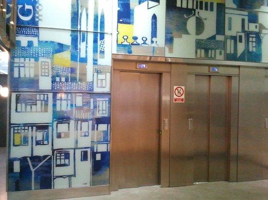 Hotel Ultonia Girona : ascensori