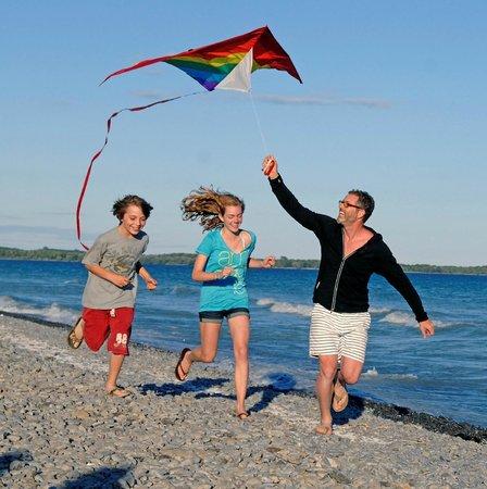 Quinte's Isle Campark: Pebble Beach!