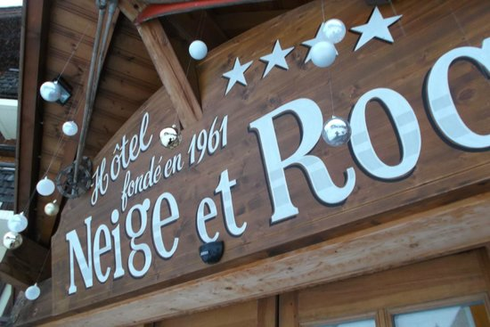 Hotel Neige et Roc: Puerta del Hotel